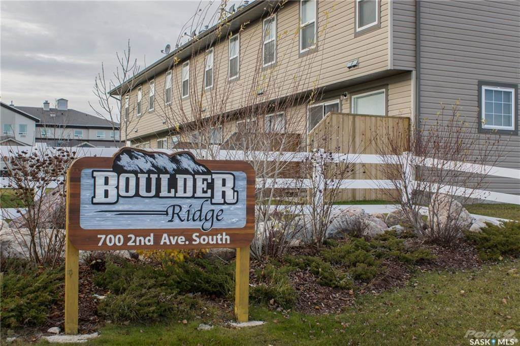 3 Beds & 2 Baths Townhouse Style Condo In Martensville