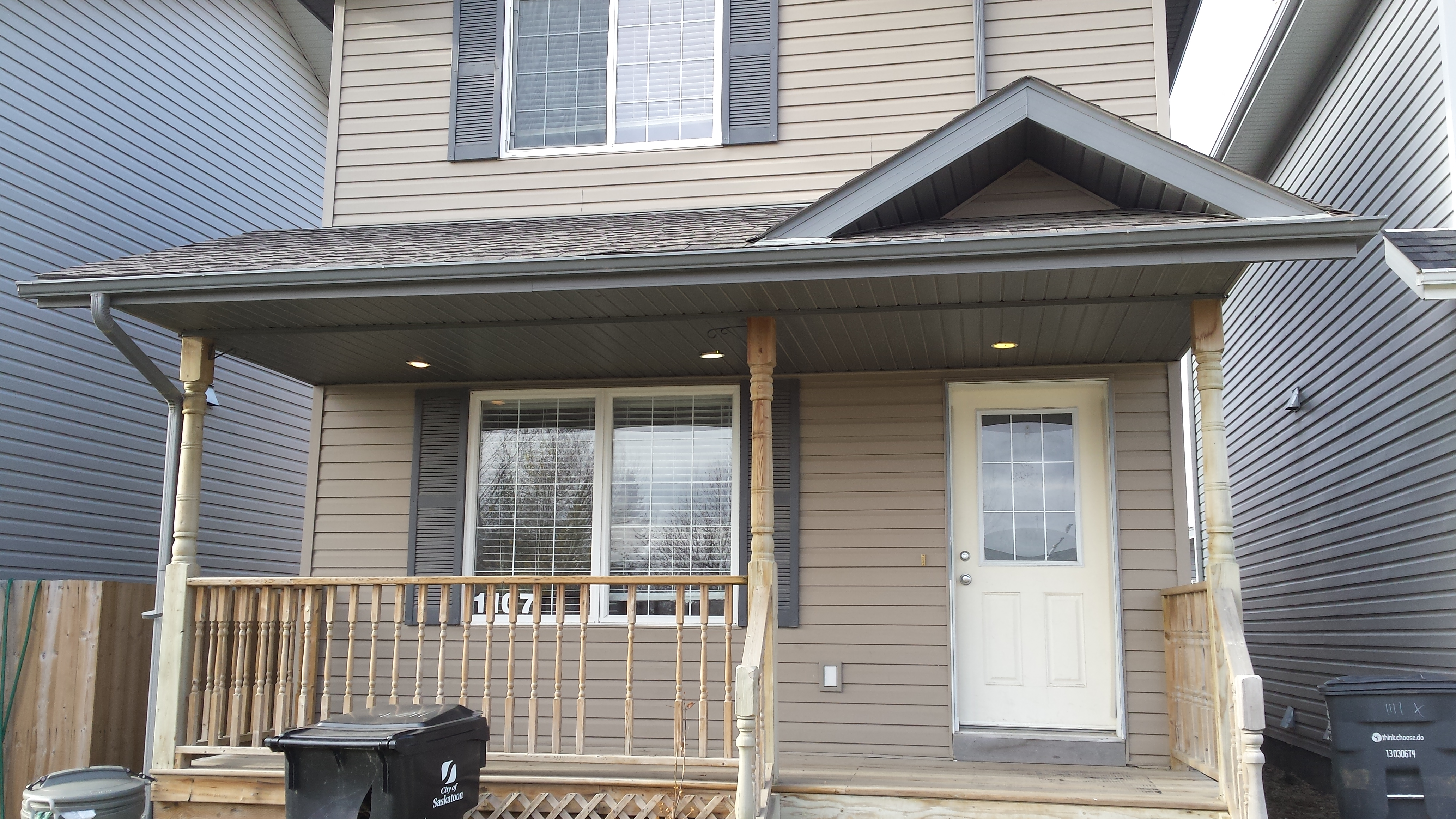 3 Beds & 1.5 Baths House in Confederation Area (Available Mar 1, 2019)