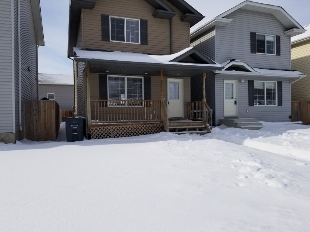 3 Beds & 1.5 Baths House in Confederation Area