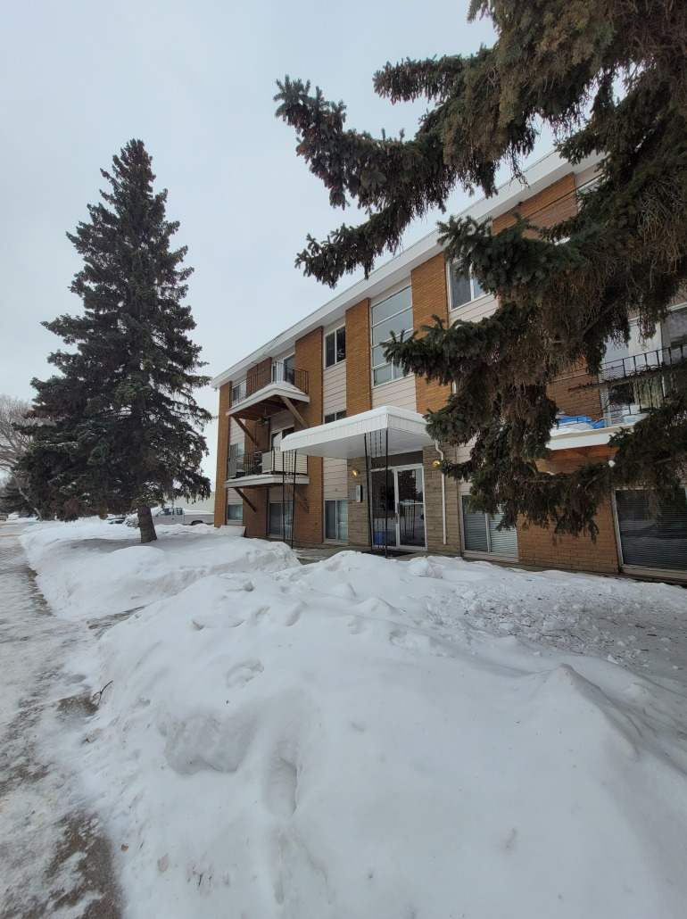 Marsin Apartments – 2440 Louise Street